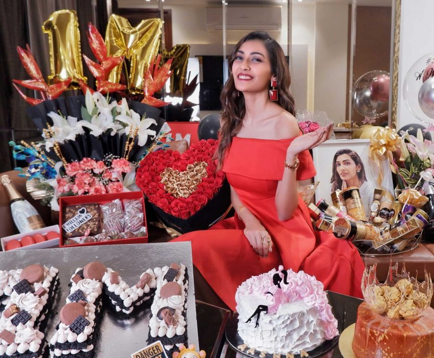 Aashna Malani 1 Million